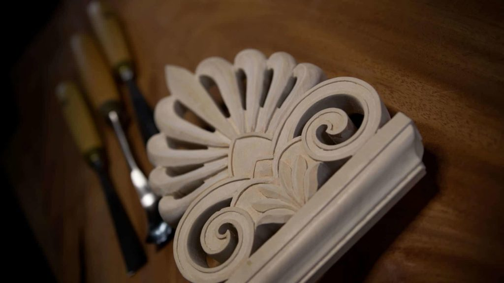 Learn To Carve Greek Acroterion - School of Woodcarving https://schoolofwoodcarving.io/ #woodcarving #woodworking #acroterion #akroterion @grabovetskiy